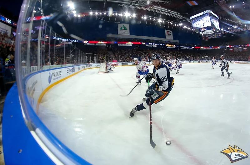 Магнитогорский «Металлург» завершил очередную домашнюю серию матчей поединком с питерским СКА. Об