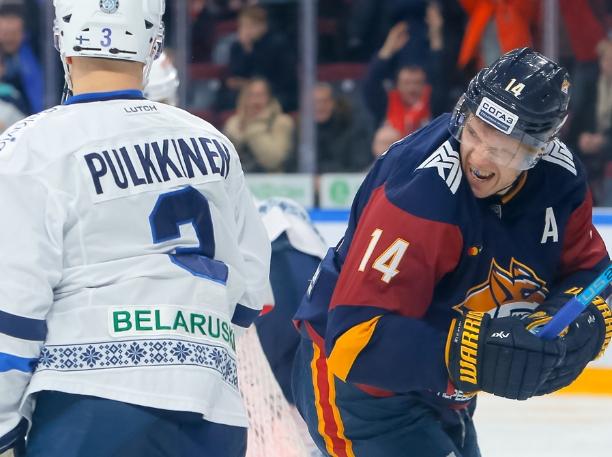 В пятницу, 11 января, в матче регулярного чемпионата КХЛ магнитогорский