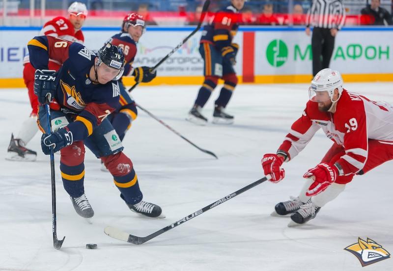 Челябинский «Трактор» потерпел третье поражение подряд. На своем льду подопечные Алексея Тертышн