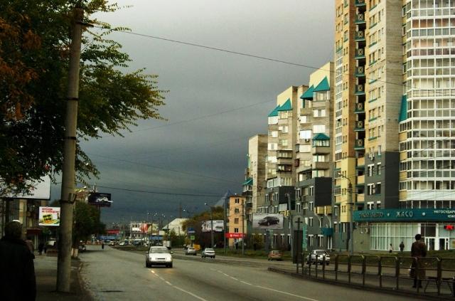 Женщина, представившаяся Анной Васильевной, проживает на улице Чичерина на десятом этаже многоэта