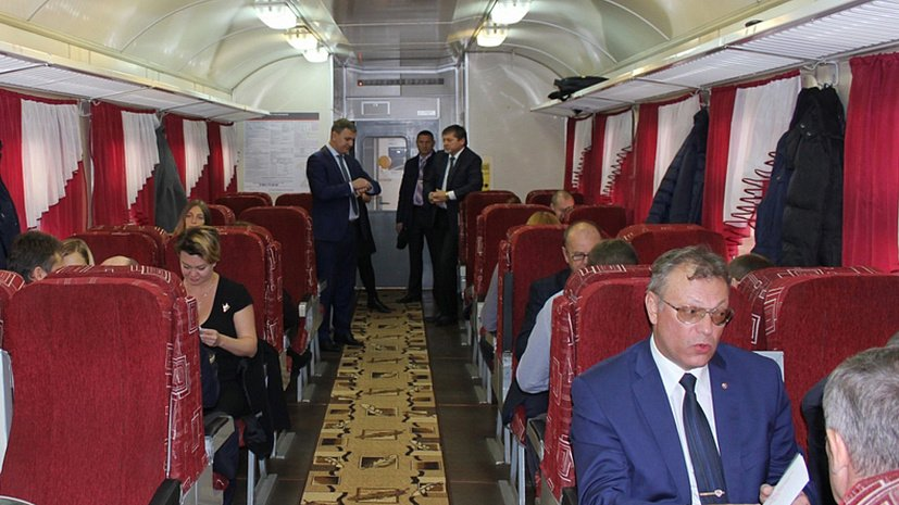Первыми пассажирами скоростного маршрута стали представители правительства Челябинской области, а