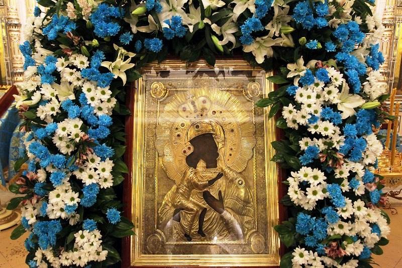 «Перед этой иконой, как перед чудотворной, как перед заступницей рода христианского, молился еще