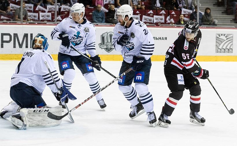 Челябинский «Трактор» в последнем матче ноябрьской домашней серии на своем льду принимает «Адмира
