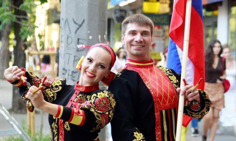 Артисты Государственного ансамбля танца «Урал» Анна Шишкина и Максим Полюдов стали победителями ю
