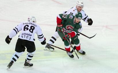 Челябинский «Трактор» завершил выездную серию матчей победой над казанским «Ак Барсом». До этой в