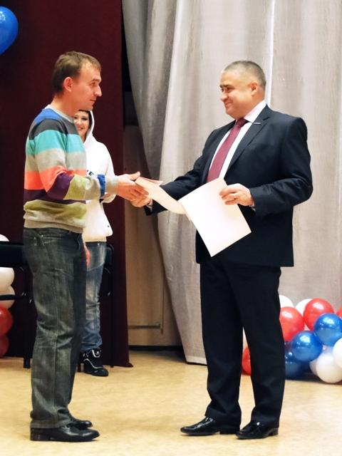 Вначале взял слово генеральный директор ММЗ Андрей Юрчиков. В первую очередь он благодарил ветера