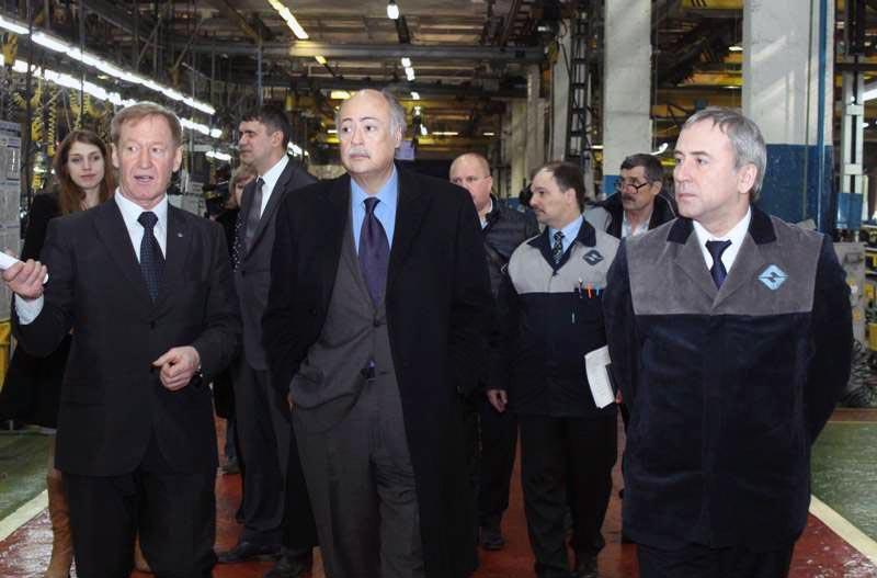 В ходе визита на завод Посол Мексики побывал на производственных площа