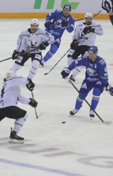 Челябинский «Трактор» завершил затяжную серию матчей на выезде встречей с «Барысом» из Казахстана