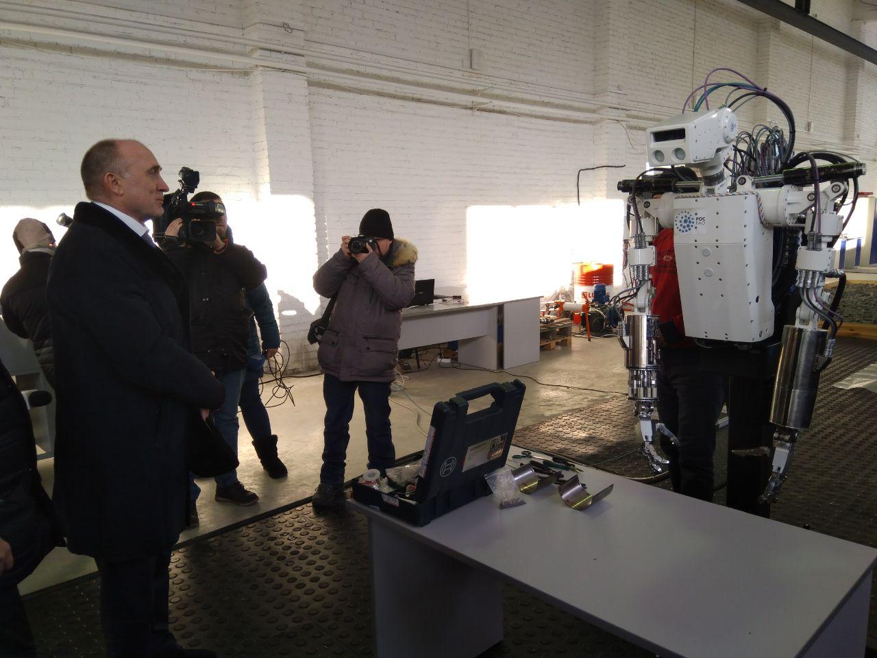 Первый раз Борис Дубровский, будучи губернатором, посетил предприятие в декабре 2015 года, затем