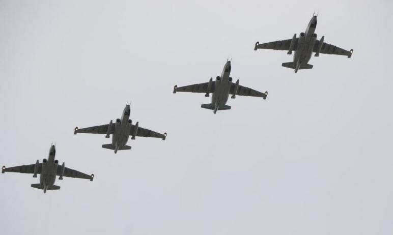 Российские штурмовики Су-25СМ объединенной военной базы прибыли из Киргизии на Южный Урал. Здесь