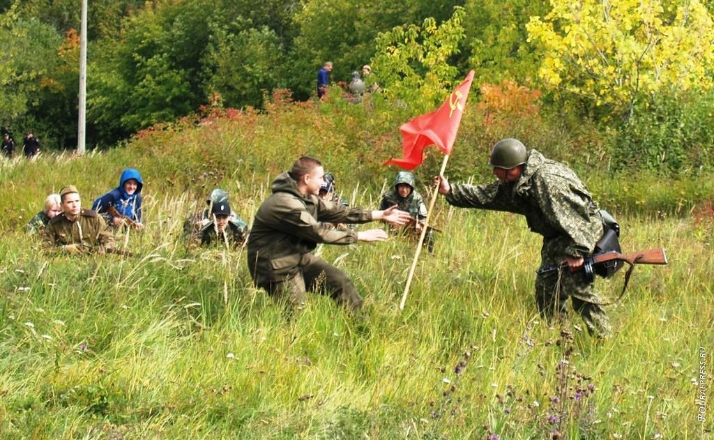 В Челябинскев Никольской рощеКалининского района в субботу, 15 сентября, состоялся военно-истор