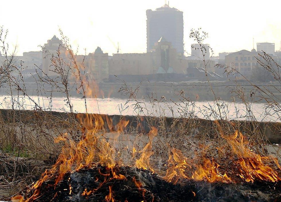 В Челябинске подвели итоги весенне-летнего пожароопасного сезона. Он был богат на загорания сухой