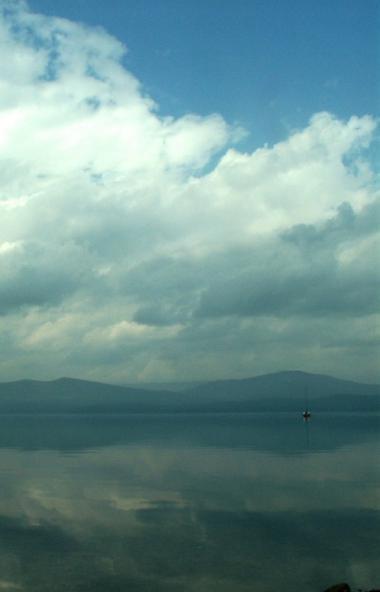 Береговая полоса уникального южноуральского водоема - озера Тургояк - оказалась недоступной для о