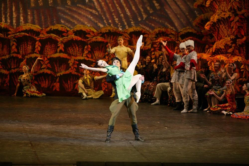 Челябинцев ждут три показа спектакля «Светлый ручей» на музыку Шостаковича. Музыкальное сопровожд