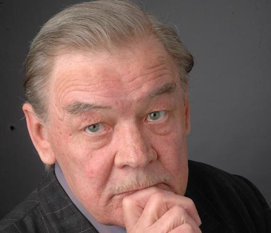 В день юбилея актер выйдет на сцену в одной из самых любимых своих ролей Сергея Петровича Карауло