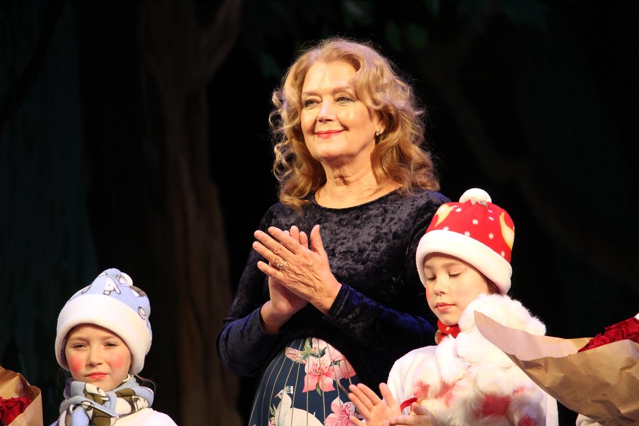 Народная артистка России Ирина Алферова приехала в Челябинск со спектаклем и открыла благотворите