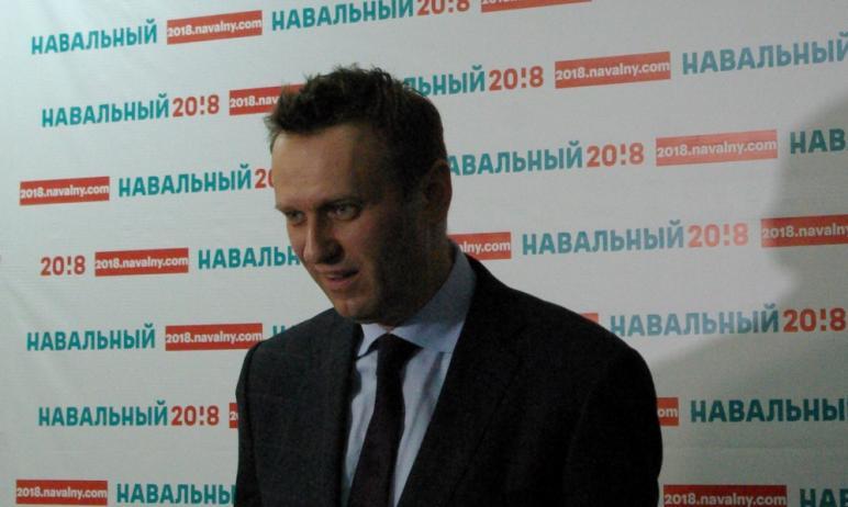 Оппозиционный блогер Алексей Навальный, который в настоящий момент находится на реабилитации в Ге
