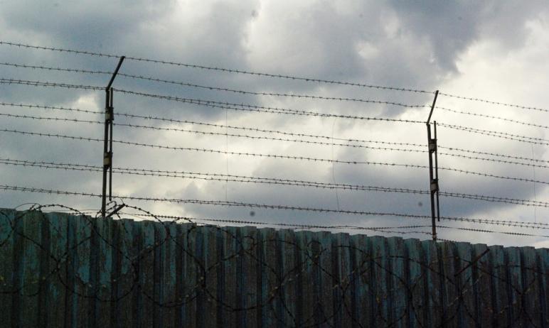 В ИВС Красноармейского района (Челябинская область) покончил с собой 17-летний подросток, который