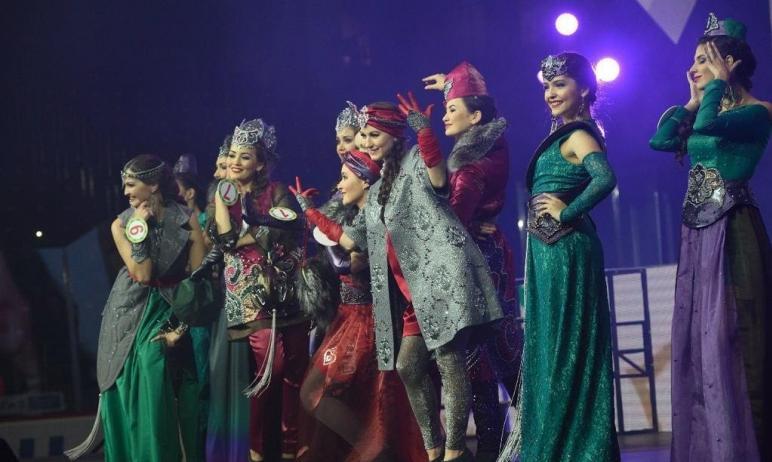 В Челябинске на выставке «Мода и стиль. История и современность», которая откроется завтра, 3 июн