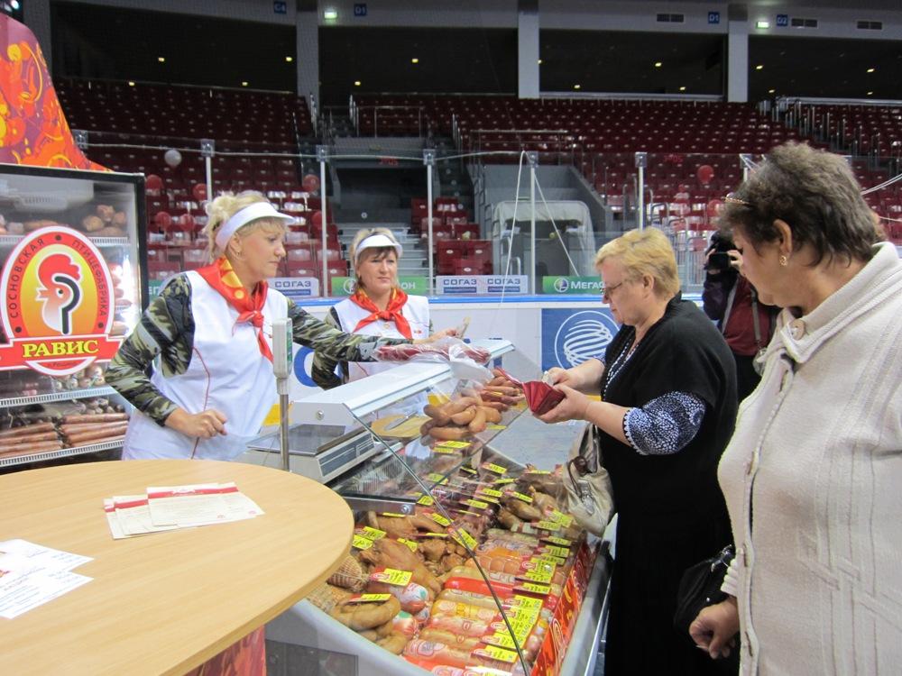 Экспозиция «Рависа» на выставке «Агро-2011» посвящена предстоящему 30-летию компании. А потому пр