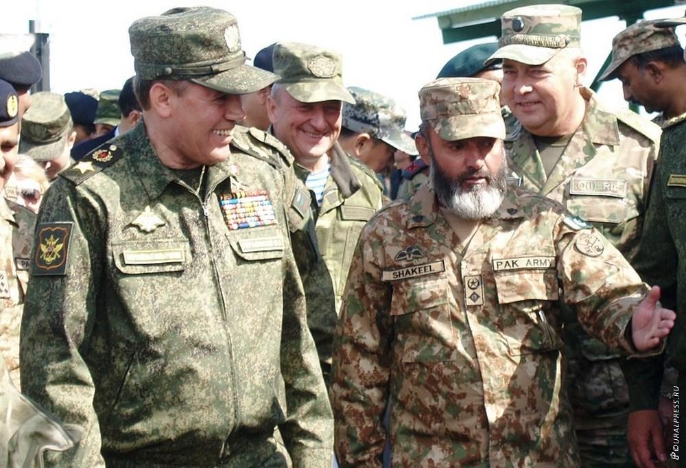На активную фазу учений «Мирная миссия-2018» на Южный Урал вместо Президента России Владимира Пут