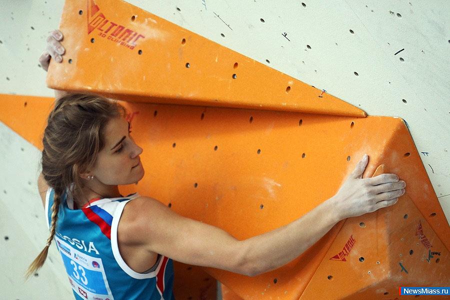 Скалолазка из Миасса (Челябинская область) Елена Красовская вошла в пятерку юношеской Олимпиады в