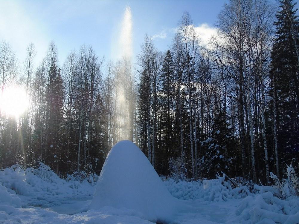 Пока в некоторых городах Челябинской области снега не видно, в национальном парке «Зюраткуль» уже