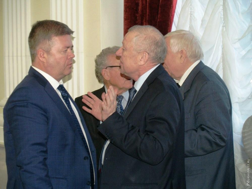 Глава Челябинского городского округа Евгений Тефтелев досрочно ушел в отставку.