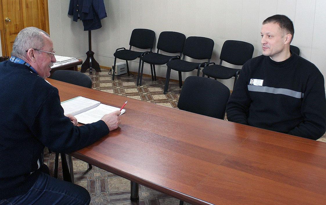 Бывший вице-губернатор Николай Сандаков ищет работу в колонии. После перевода из