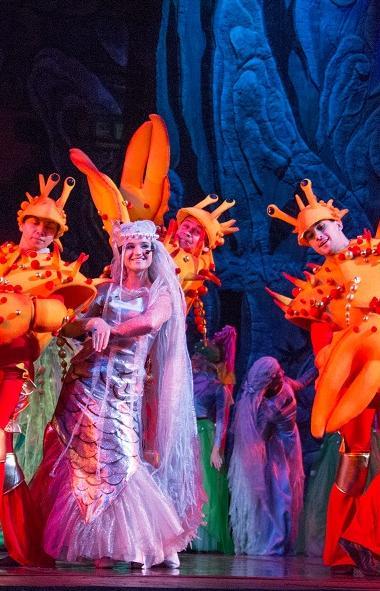 Челябинский театр оперы и балета имени Глинки открыл продажу билетов на новогодние представления