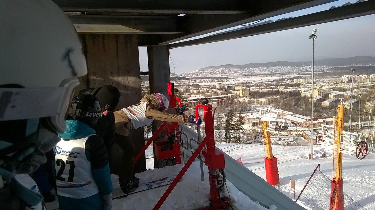В соревнованиях приняли участие более 30 спортсменов из Челябинской, Свердловской областей, Респу