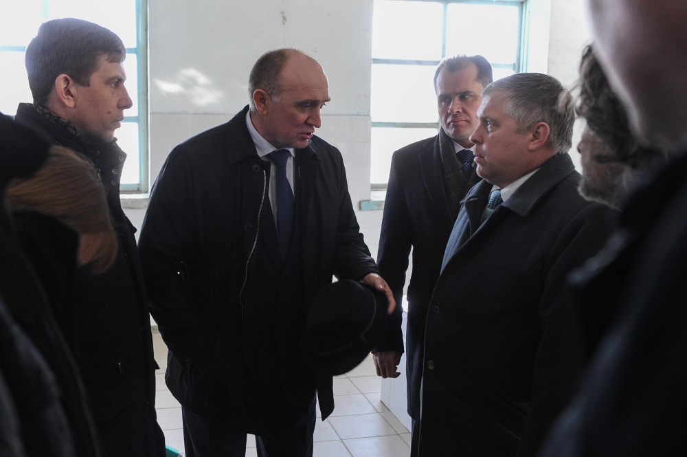 Об этом глава региона заявил во время визита на проблемный объект в Каслях. По сведениям источник