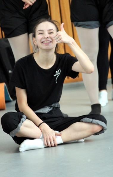 Челябинский театр современного танца продолжает фестивальный тур в Сибири. Вчера танцовщики откры
