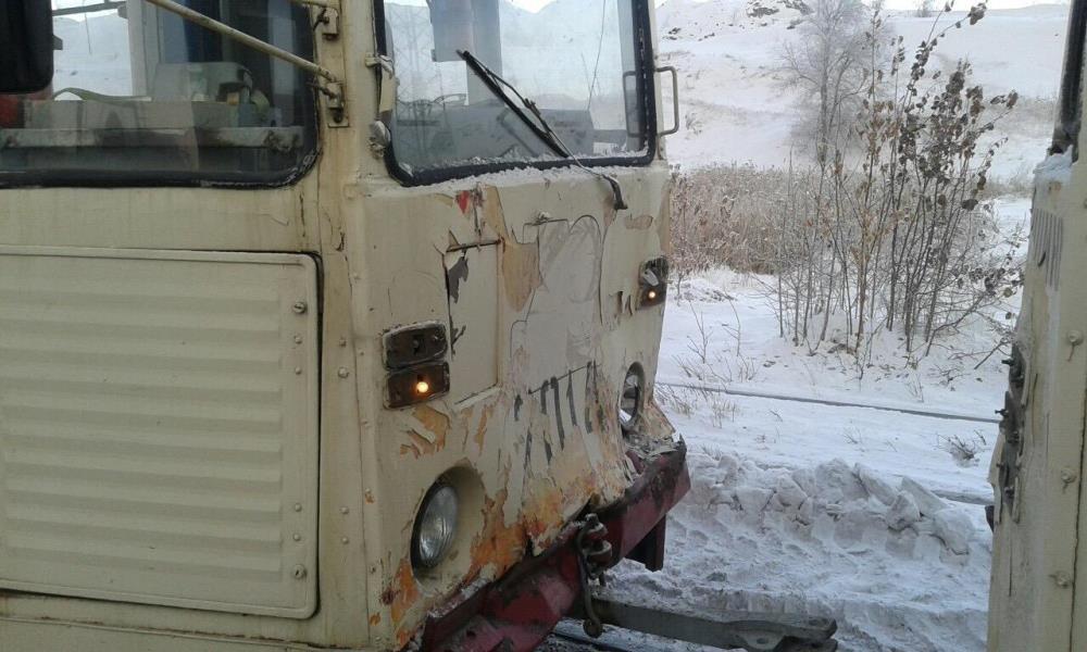 По данным ГИБДД города, ДТП произошло в 15 часов на улице 2-я Павелецкая. Трамвай маршрута №10 со