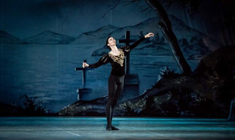 В челябинской балетной труппе – новый солист. Дебютировать на сцене театра оперы и балета имени Г