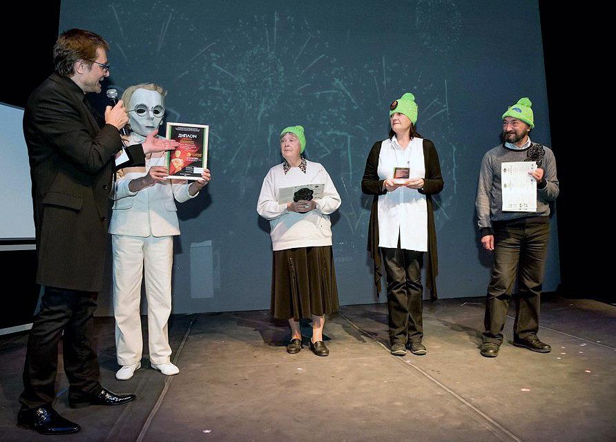Их спектакль «Толстая тетрадь» победил сразу в двух номинациях: лучший спектакль и лучшая работа