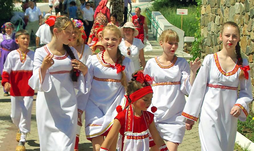 Фестивальную эстафету от Локомотивного подхватил Нязепетровск. В местном ДК соберутся артисты и