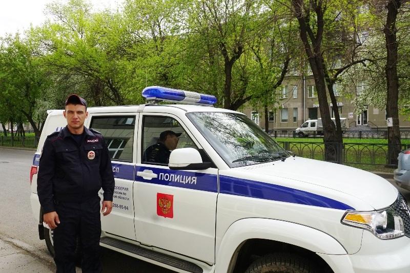 Полицейский из Магнитогорска (Челябинская область) спас 81-летнюю пожилую женщину на пожаре. Пожи