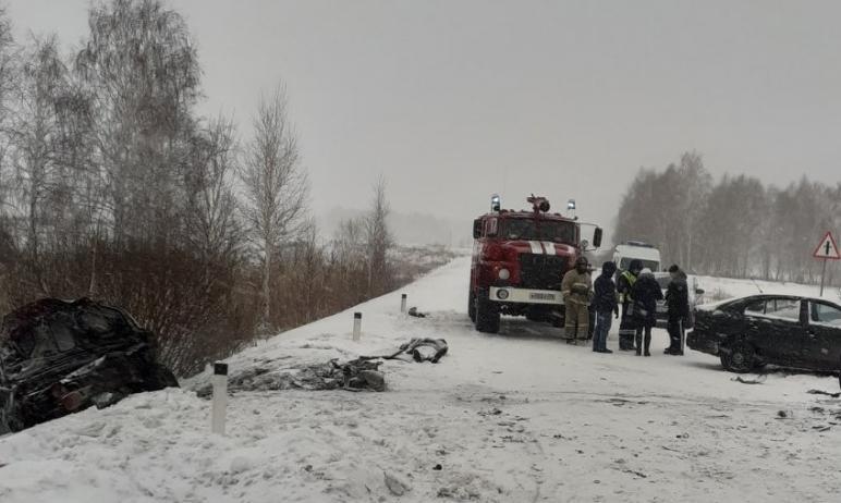 Одна женщина погибла и двое пострадали в дорожно-транспортном происшествии, которое произошло 10