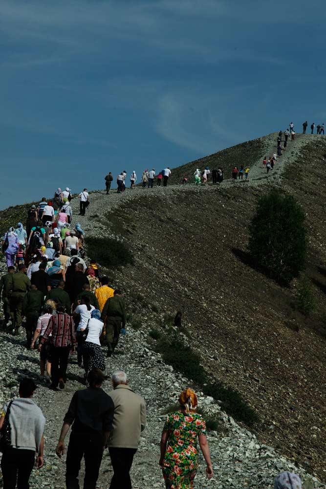 Крестный ход приурочен ко дню святителя Николая Чудотворца, в честь которого освящен старый храм