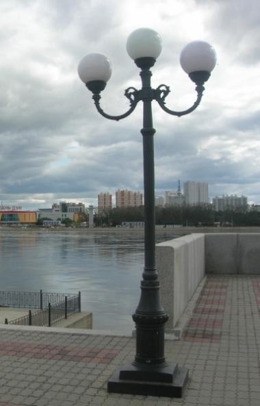 Каслинский завод архитектурно-художественного литья (ООО «КЗАХЛ», входит в Группу «Мечел») отлил
