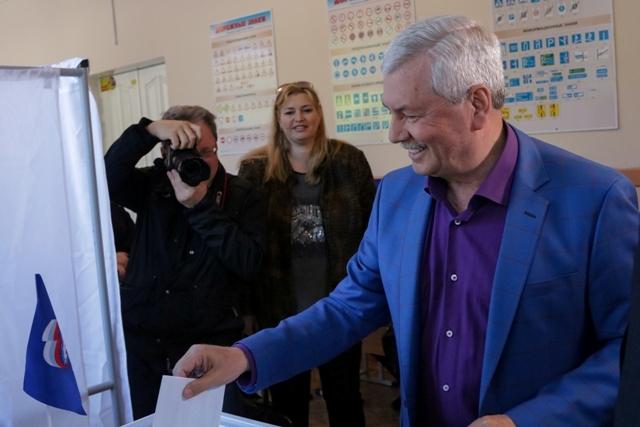 Более 105 тысяч жителей Челябинской области пришли в воскресенье, 26 мая, на избирательные участк