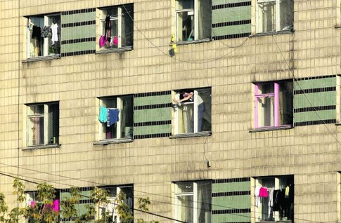 Общежитию комбината больше пятидесяти лет, с 1989 года в нем не было капитального ремонта, сообщ