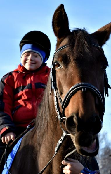 Адаптироваться к жизни, улучшить осанку и побеждать на всероссийский соревнованиях особым детям в
