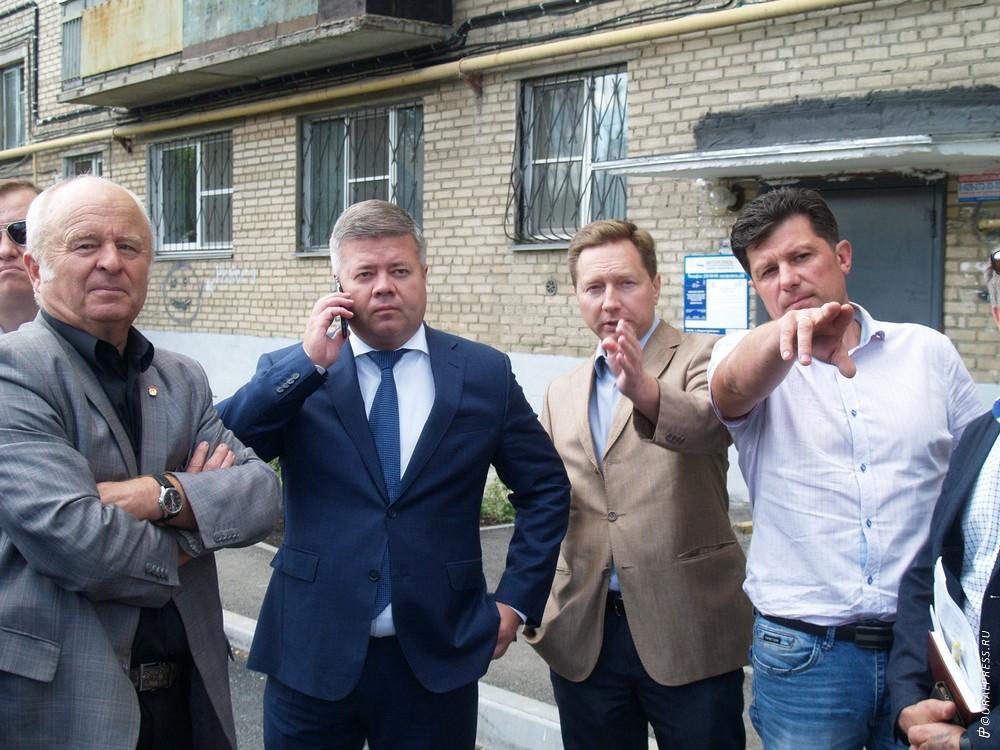 Во вторник, 31 июля, глава города Челябинск Станислав Мошаров выехал в Ленинский район, чтобы про