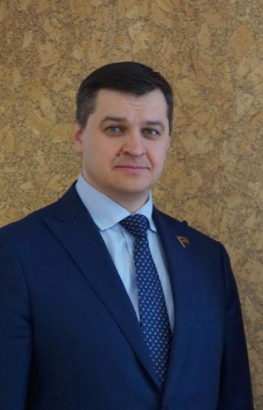Профсоюзы Челябинской области, власти региона и работодатели она трехсторонней комиссии осудили с