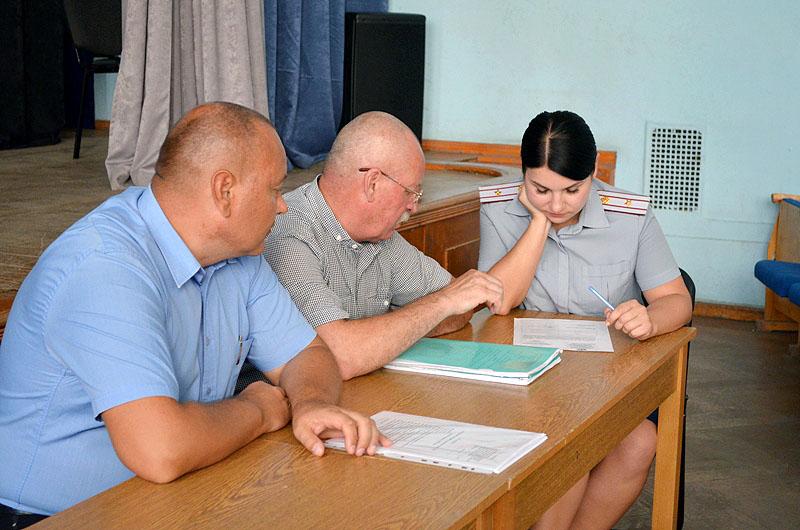 В последний день лета, 31 августа, в Симферополе состоялся круглый стол с местными силовиками и о