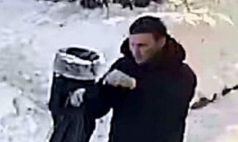 В Челябинске правоохранительными органами разыскивается подозреваемый в совершении убийства. Всех