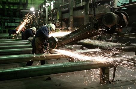 Также бывшим металлургам предлагают переквалифицироваться в помощников воспитателя, сторожей, дво