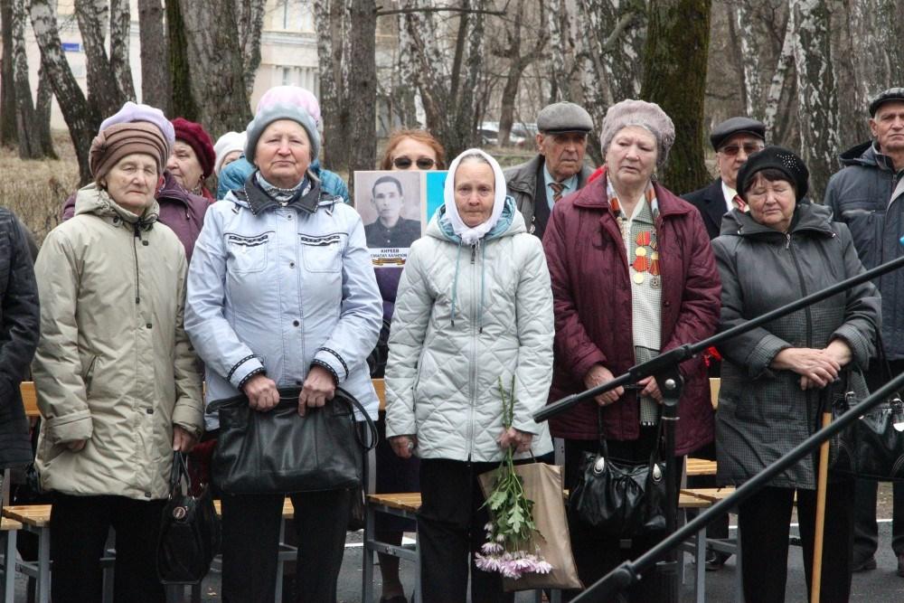 В Челябинске поздравили участниц Великой Отечественной войны и тружениц тыла. На прием приехали 8